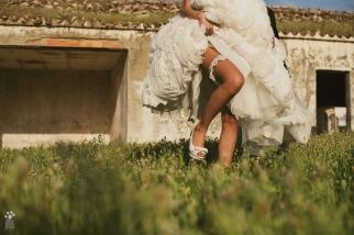 Postboda Fotografía artistica de boda en Jaén Liga y Zapatos Novia