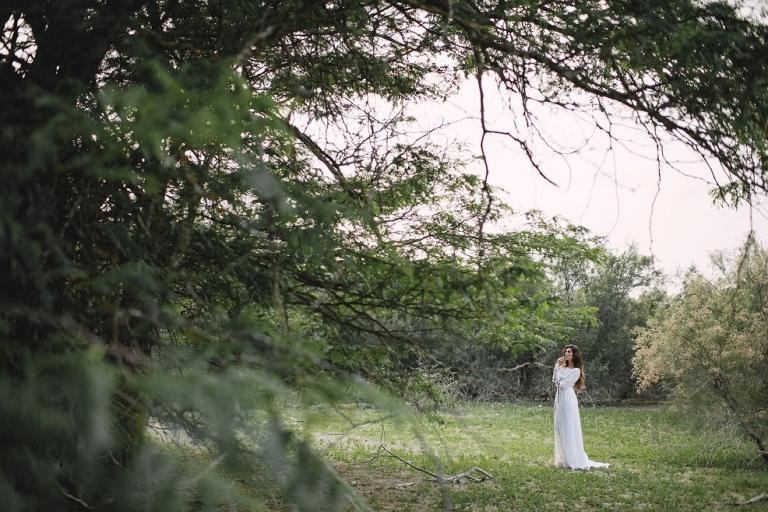 Sesión editorial de novia en el bosque